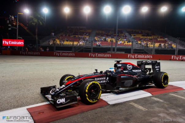 Fernando Alonso (ESP) McLaren MP4-30 at Formula One World Championship, Rd13, Singapore Grand Prix, Practice, Marina Bay Street Circuit, Singapore, Friday 18 September 2015.